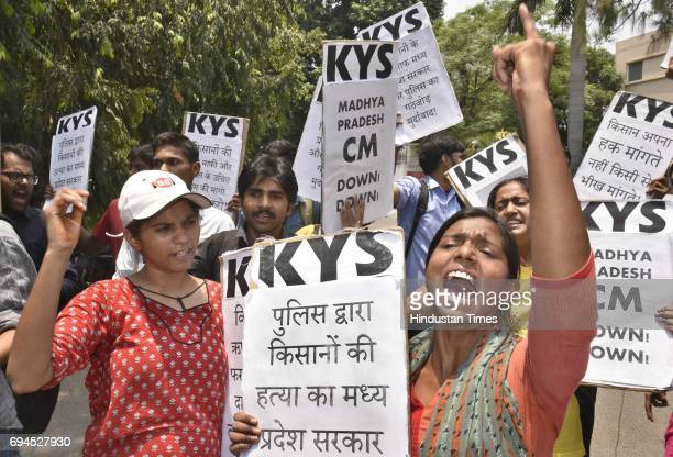 Members of Krantikari Yuva Sangathan protesting against Shivraj Singh's government for police firing on farmers at Madhya Pradesh Bhawan on June 10...