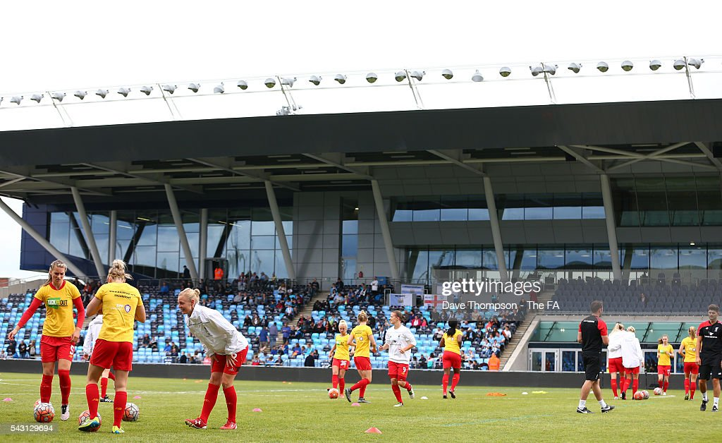 Members of Liverpool Ladies squad warm up during the FA WSL match between Manchester City Women and Liverpool Ladies FC on June 26, 2016 in Manchester, England.