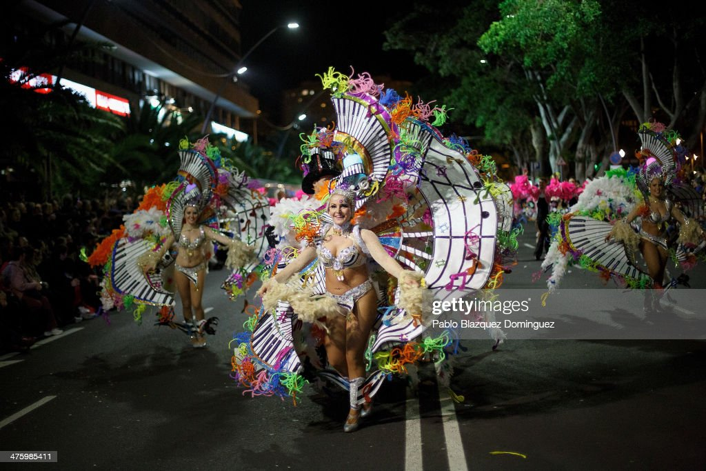 Members of 'Los Rumberos' troupe perform in the troupes dancing contest during the Santa Cruz de Tenerife Carnival on March 1 2014 in Santa Cruz de...