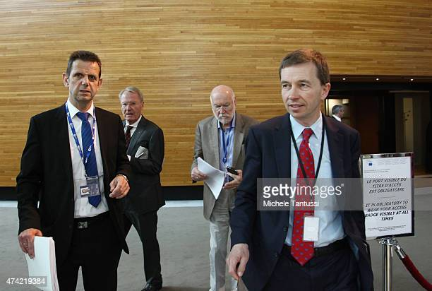 Members of the AFD far right party Bernd Lucke Right Joachim Starbatty HansOlaf Henkel and Bernd Koelmel leave the plenary session of the European...