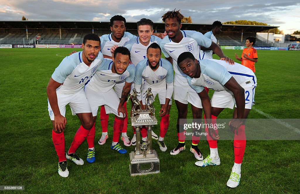 Members of the England team pose with the trophy during the Final of the Toulon Tournament between England and France at Parc Des Sports on May 29, 2016 in Avignon, France.
