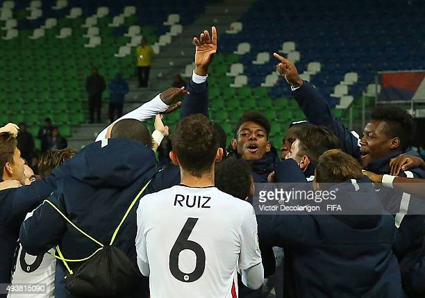 Members of the France team celebrate their 43 victor against Paraguay in the Paraguay v France Group F FIFA U17 World Cup Chile 2015 match at Estadio...
