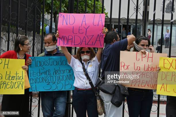 Members of the Honduran College of Journalists demand the derogation of a recently approved article of the Penal Code which punishes with prison...