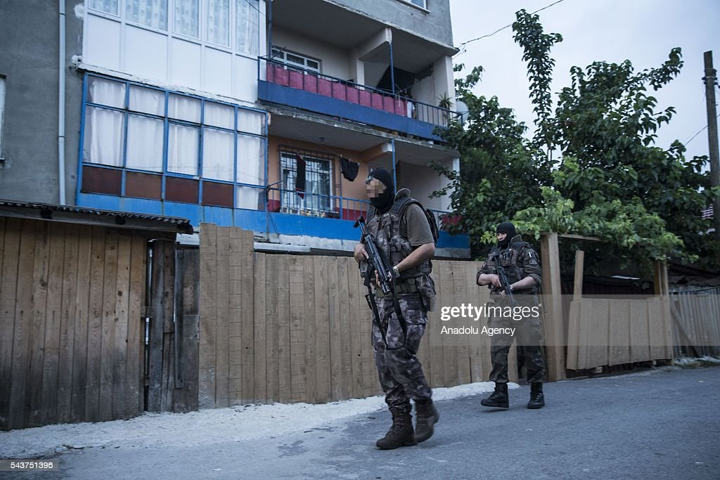 Members of the Istanbul Counterterrorism Branch office team carry out an operation against Daesh terror organization in Istanbul, Turkey on June 30, 2016.