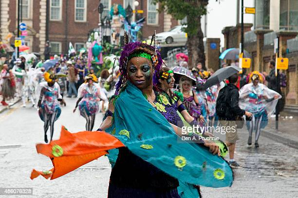 Members of the London School of Samba perform during the parade at Notting Hill Carnival on August 31 2015 in London England The Carnival the largest...
