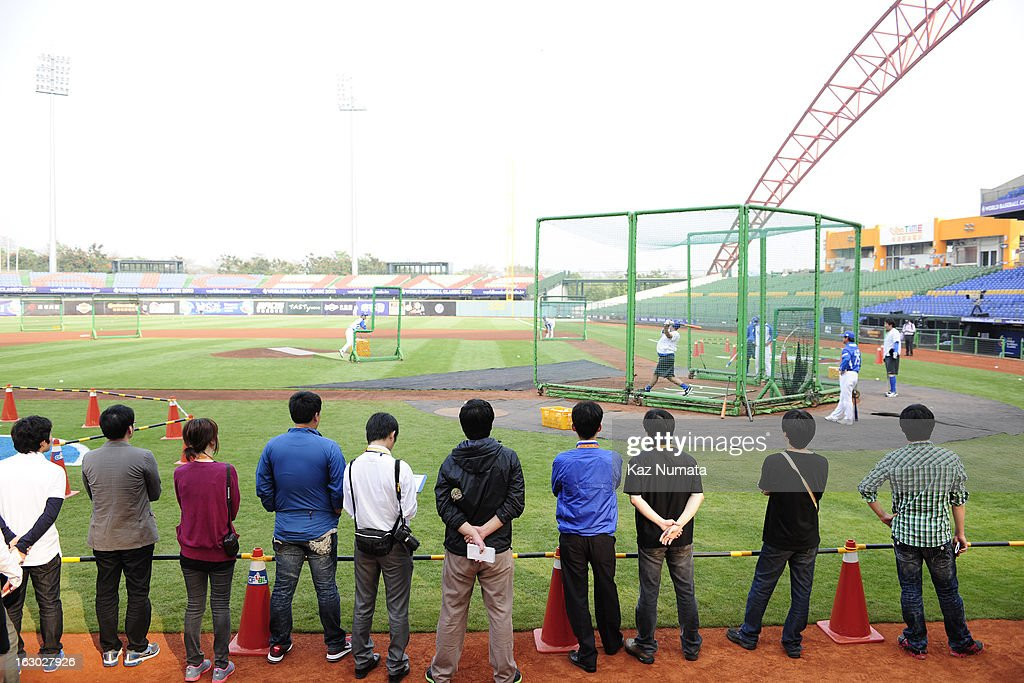 Members of the media watch Team Korea's batting practice during the World Baseball Classic workout day at Taichung Intercontinental Baseball Stadium on Friday, March 1, 2013 in Taichung, Taiwan.