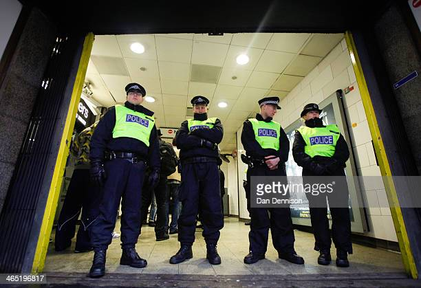 Members of the Metropolitan Police close off Holborn Tube Station on January 26 2014 in London England The farright nationalist party Jobbik had...