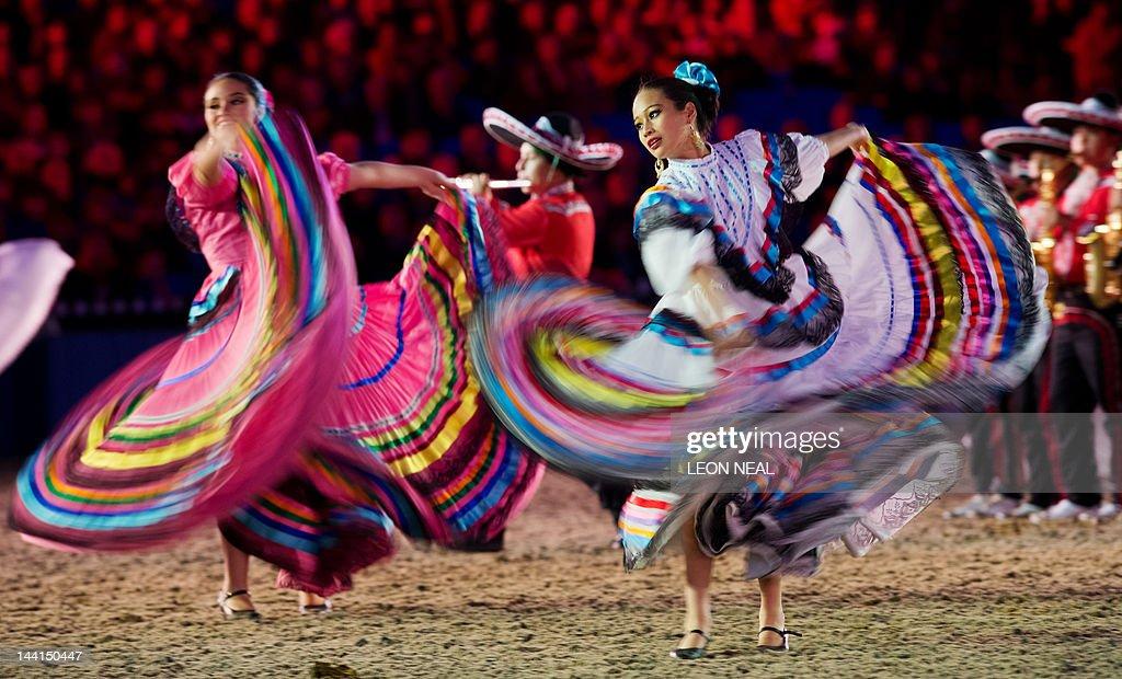 mariachi dance Gallery