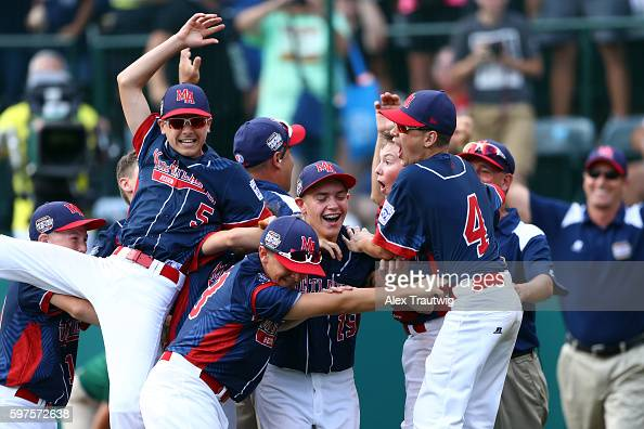 Members of the MidAtlantic Team from New York celebrate after defeating the AsiaPacific Team from South Korea in the World Series Championship Game...