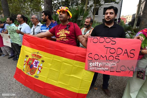 Members of the Pakistani community living in Barcelona gather on the La Rambla del Rabal in Barcelona against the attacks and in tribute to the...