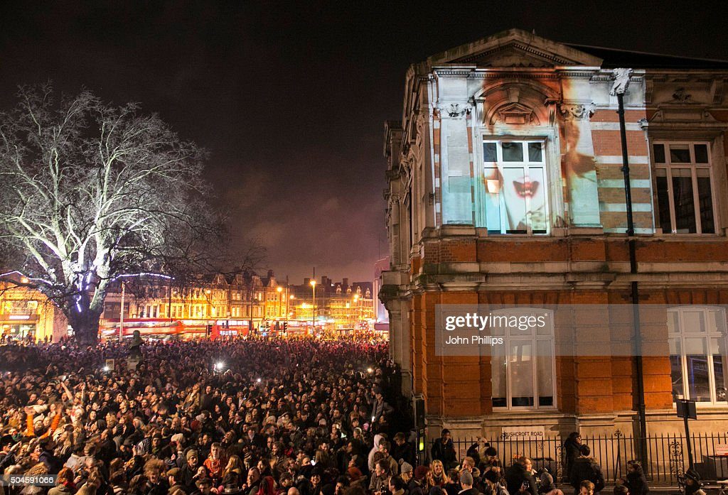 Members of the public gather outside the Ritzy Cinema in Brixton to pay tribute to <a gi-track='captionPersonalityLinkClicked' href=/galleries/search?phrase=David+Bowie&family=editorial&specificpeople=171314 ng-click='$event.stopPropagation()'>David Bowie</a> on January 11, 2016 in London, England. British music and fashion icon <a gi-track='captionPersonalityLinkClicked' href=/galleries/search?phrase=David+Bowie&family=editorial&specificpeople=171314 ng-click='$event.stopPropagation()'>David Bowie</a> died earlier today at the age of 69 after a battle with cancer.