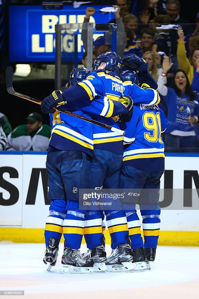 Members of the St. Louis Blues celebrates after scoring a goal against the Dallas Stars in Game Four of the Western Conference Second Round during the 2016 NHL Stanley Cup Playoffs at the Scottrade Center on May 5, 2016 in St. Louis, Missouri.