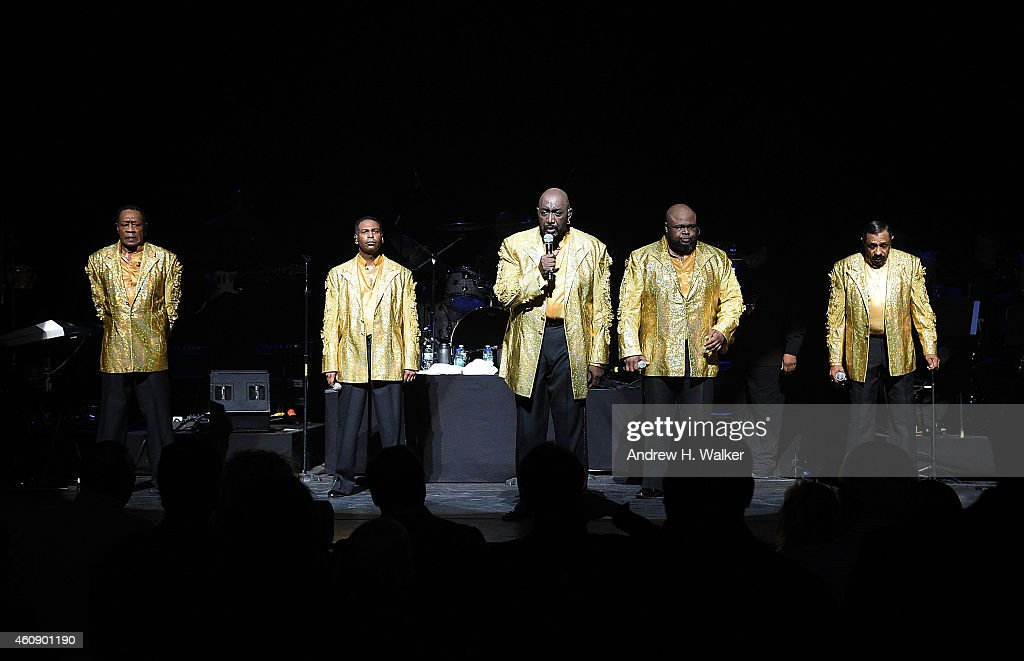 'The Temptations And The Four Tops On Broadway' - Curtain Call : News Photo