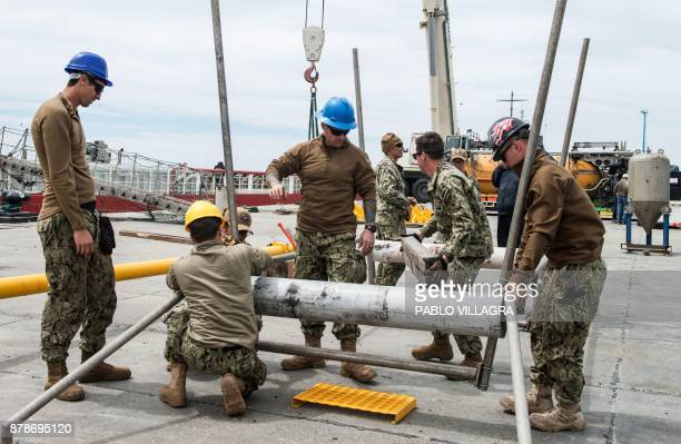 Members of the US Navy Undersea Rescue Command won the installation of the Submarine Rescue Diving and Recompression System with a deep diving rescue...