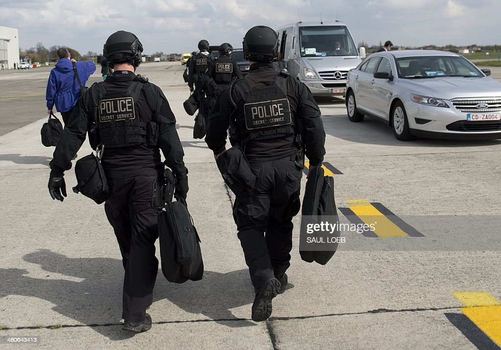 Members of the US Secret Service Counterassault Team or ...