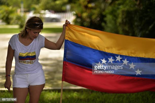 Members of the Venezuelan community in Mexico stage a protest against the Venezuelan government on the eve of the opening of 47th General Assembly of...