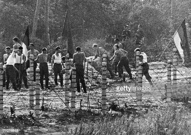 Members of the Volkspolizei the East German national police build attack positions near the border with West Berlin 28th September 1961
