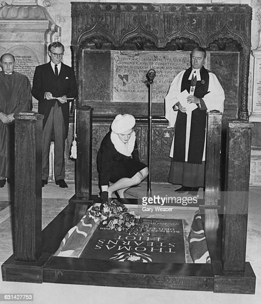 A memorial stone for the Americanborn poet TSEliot is unveiled by his widow Valerie Eliot at Poets' Corner in Westminster Abbey London 4th January...