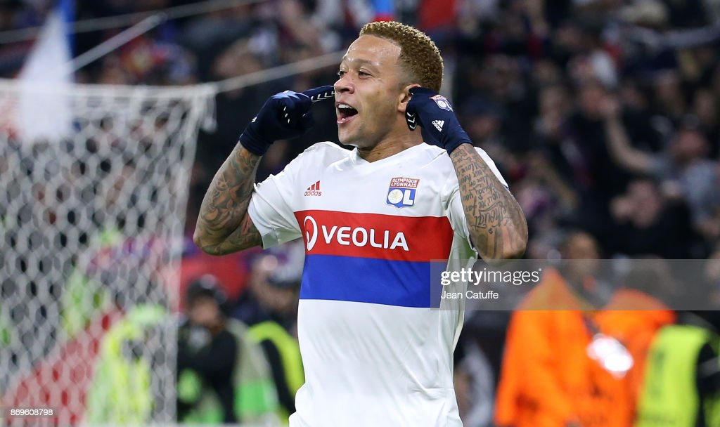 Memphis Depay of Lyon celebrates his goal during the UEFA Europa League group E match between Olympique Lyonnais (OL) and Everton FC at Groupama Stadium on November 2, 2017 in Lyon, France.