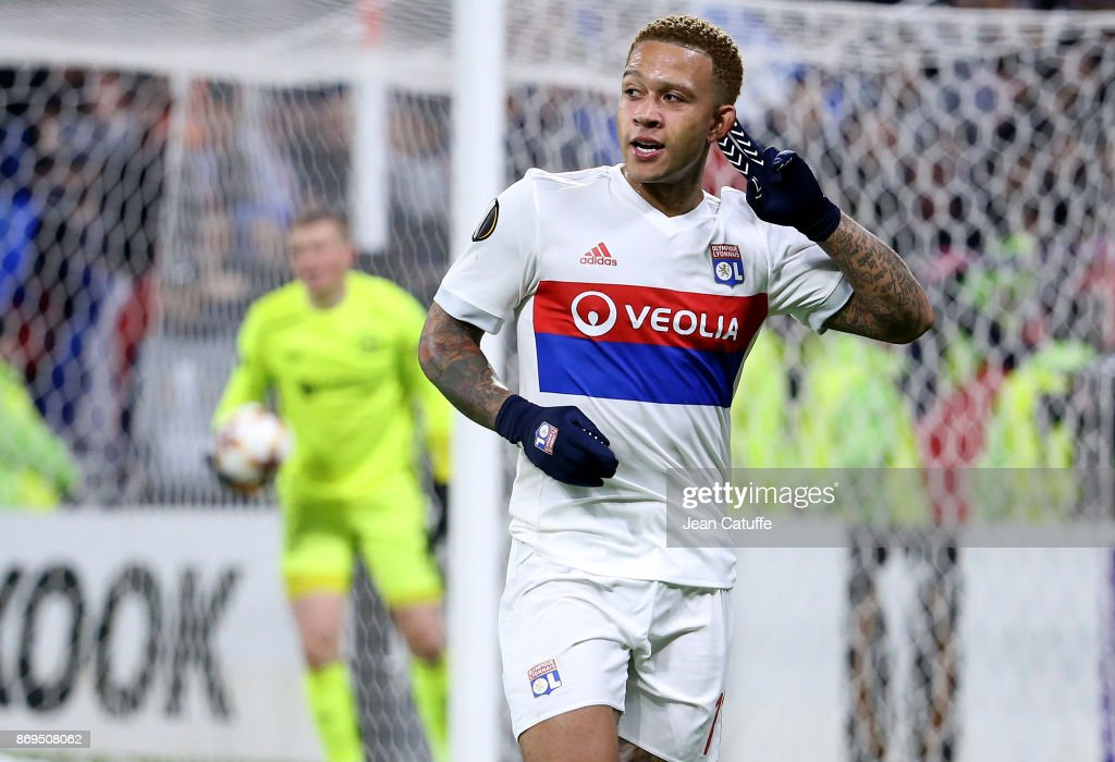 Memphis Depay of Lyon celebrates scoring the third goal during the UEFA Europa League group E match between Olympique Lyonnais (OL) and Everton FC at Groupama Stadium on November 2, 2017 in Lyon, France.