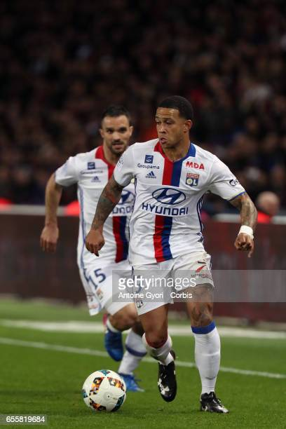 Memphis Depay of Lyon during the French Ligue 1 match between Paris Saint Germain and Lyon at Parc des Princes on March 19 2017 in Paris France