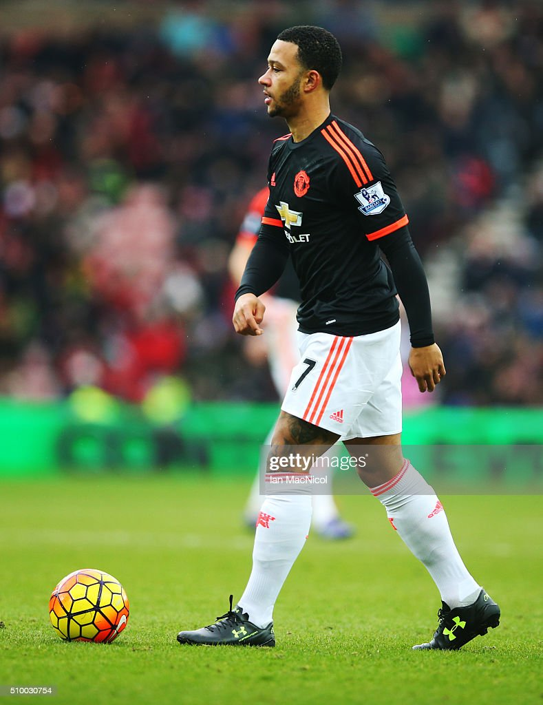 <a gi-track='captionPersonalityLinkClicked' href=/galleries/search?phrase=Memphis+Depay&family=editorial&specificpeople=7189987 ng-click='$event.stopPropagation()'>Memphis Depay</a> of Manchester Unitedcontrols the ball during the Barclays Premier m/ match between Sunderland and Manchester United at The Stadium of Light on February 13, 2016 in Sunderland, England.