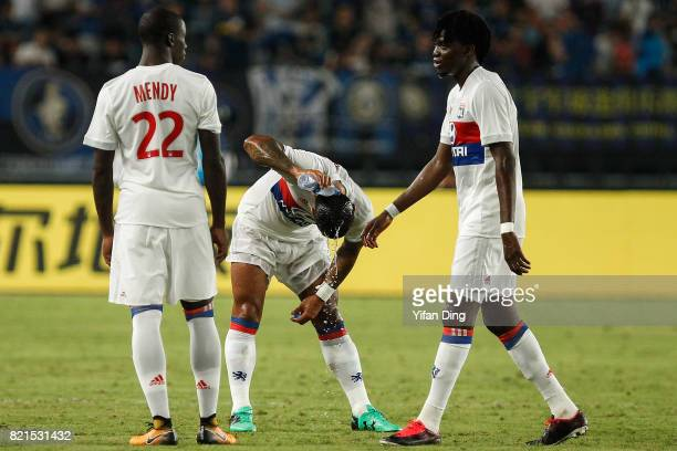 Memphis Depay of Olympique Lyonnais pours water on his head for the high temperature during the 2017 International Champions Cup football match...