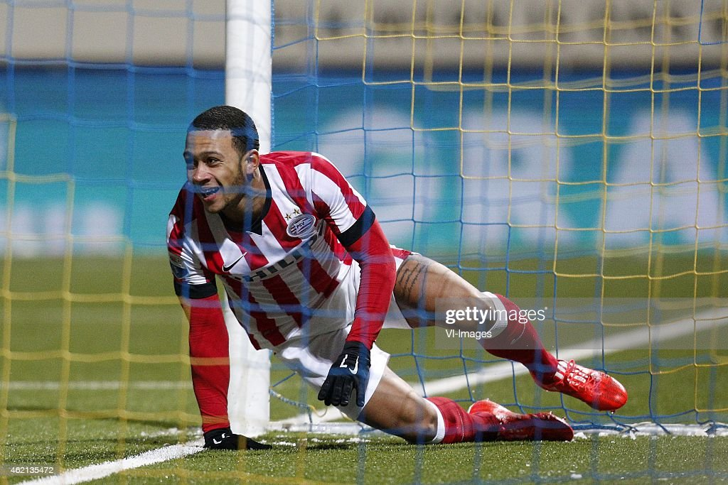 Memphis Depay of PSV during the Dutch Eredivisie match between SC Cambuur and PSV Eindhoven at the Cambuurstadion on january 24 2015 in Leeuwarden...