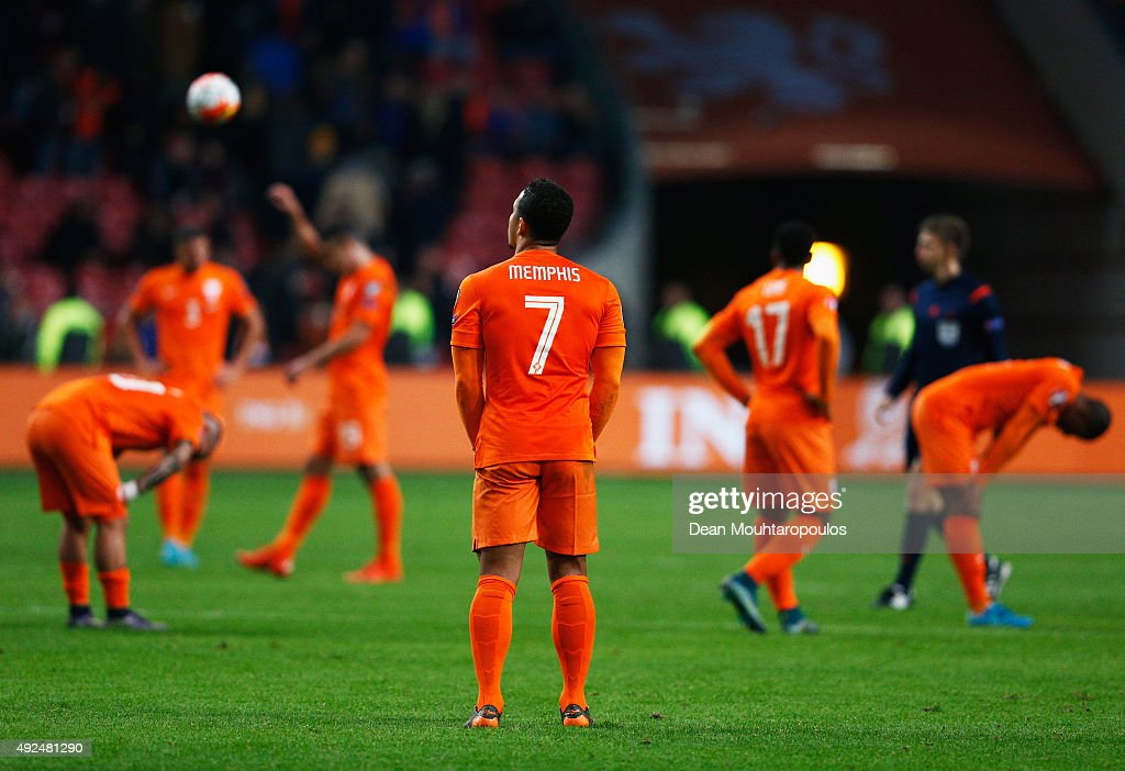 Netherlands v Czech Republic - UEFA EURO 2016 Qualifier