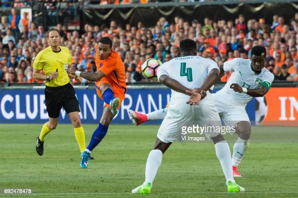 Memphis Depay of The Netherlands Ismael Traore of Ivory Coast Serge Aurier of Ivory Coastduring the friendly match between The Netherlands and Ivory...