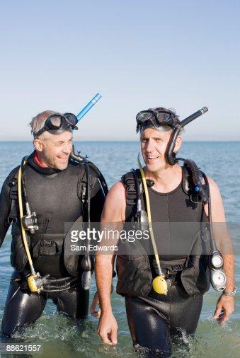 Men in scuba gear : Stock Photo