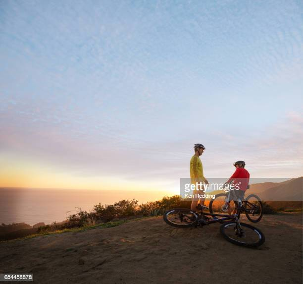 Men Mt. Biking