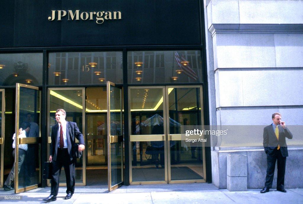 Men outside JP Morgan entrance