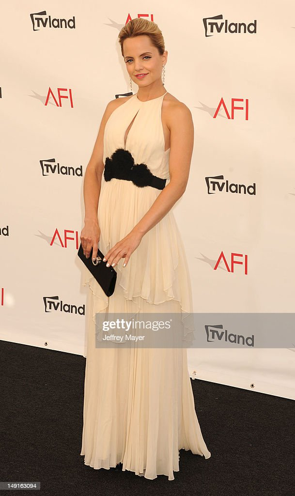 Mena Suvari arrives at the 40th AFI Life Achievement Award honoring Shirley MacLaine at Sony Pictures Studios on June 7, 2012 in Los Angeles, California.