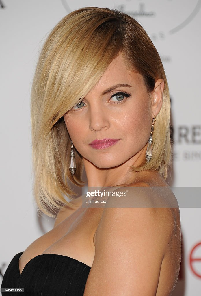<a gi-track='captionPersonalityLinkClicked' href=/galleries/search?phrase=Mena+Suvari&family=editorial&specificpeople=156413 ng-click='$event.stopPropagation()'>Mena Suvari</a> attends the 100th anniversary celebration of the Beverly Hills Hotel & Bungalows supporting the Motion Picture & Television Fund and the American Comedy Fund hosted by Brett Ratner and Warren Beatty at The Beverly Hills Hotel on June 16, 2012 in Beverly Hills, California.