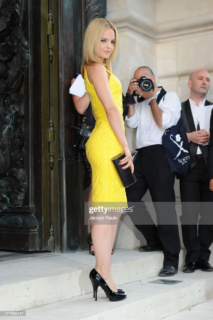 <a gi-track='captionPersonalityLinkClicked' href=/galleries/search?phrase=Mena+Suvari&family=editorial&specificpeople=156413 ng-click='$event.stopPropagation()'>Mena Suvari</a> attends the Versace show as part of Paris Fashion Week Haute-Couture Fall/Winter 2013-2014 at on June 30, 2013 in Paris, France.