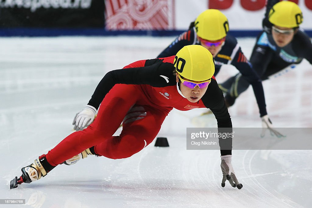 Meng Wang of China leads the group during the Women's 1500m preliminaries during day one of the Samsung ISU Short Track World Cup at the on November 14, 2013 in Kolomna, Russia.