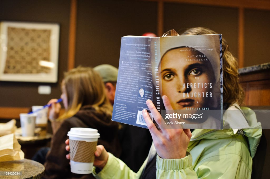 CONTENT] Menlo Park, California I was sitting in this coffee shop with reader next to me placing book in a way that made the cover photo appear to be her face.