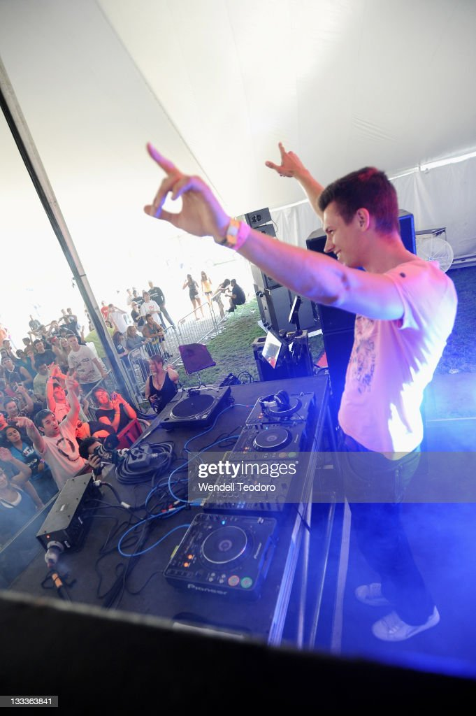 Menno De Jong performs during day 2 of the 2009 Electric Zoo Festival on Randall's Island on September 6, 2009 in New York City.