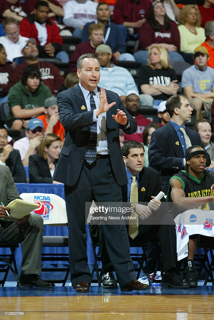 Men's Basketball Championship (Chicago Region) - Southeastern Louisiana head coach <a gi-track='captionPersonalityLinkClicked' href=/galleries/search?phrase=Billy+Kennedy+-+Basketbalcoach&family=editorial&specificpeople=15285545 ng-click='$event.stopPropagation()'>Billy Kennedy</a> against Oklahoma State during the First Round of the NCAA tournament in Oklahoma City, OK on Friday, March 18, 2005.