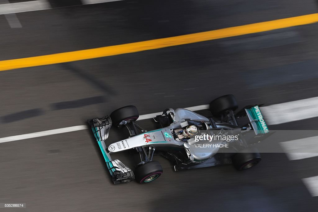 Mercedes AMG Petronas F1 Team's British driver Lewis Hamilton drives at the Monaco street circuit, on May 29, 2016 in Monaco, during the Monaco Formula 1 Grand Prix. / AFP / Valery HACHE