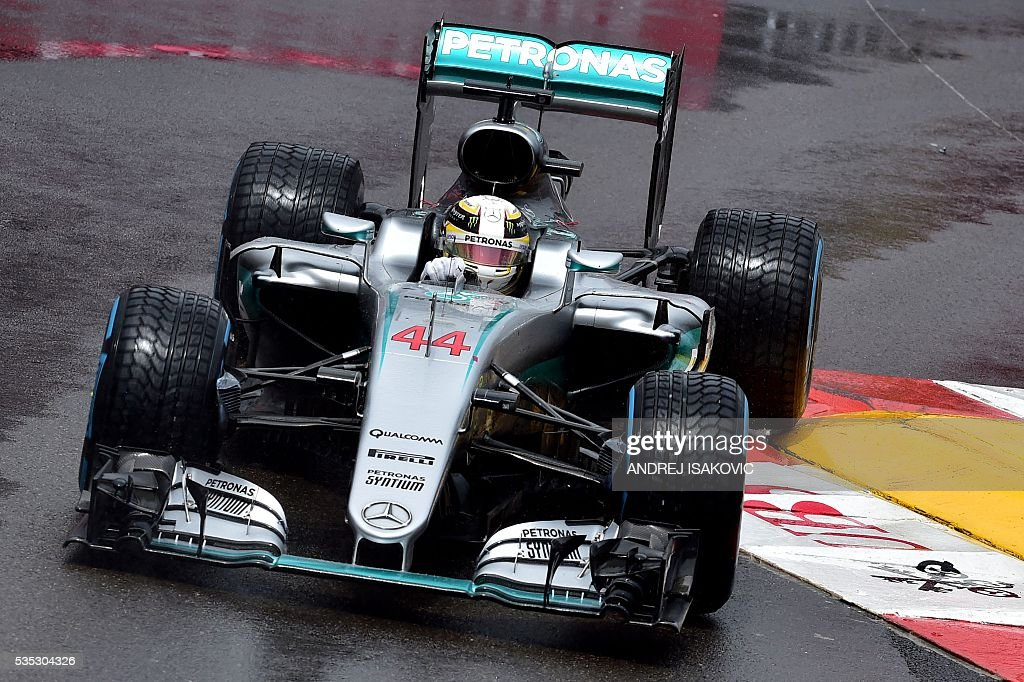 Mercedes AMG Petronas F1 Team's British driver Lewis Hamilton drives at the Monaco street circuit, on May 29, 2016 in Monaco, during the Monaco Formula 1 Grand Prix. / AFP / ANDREJ