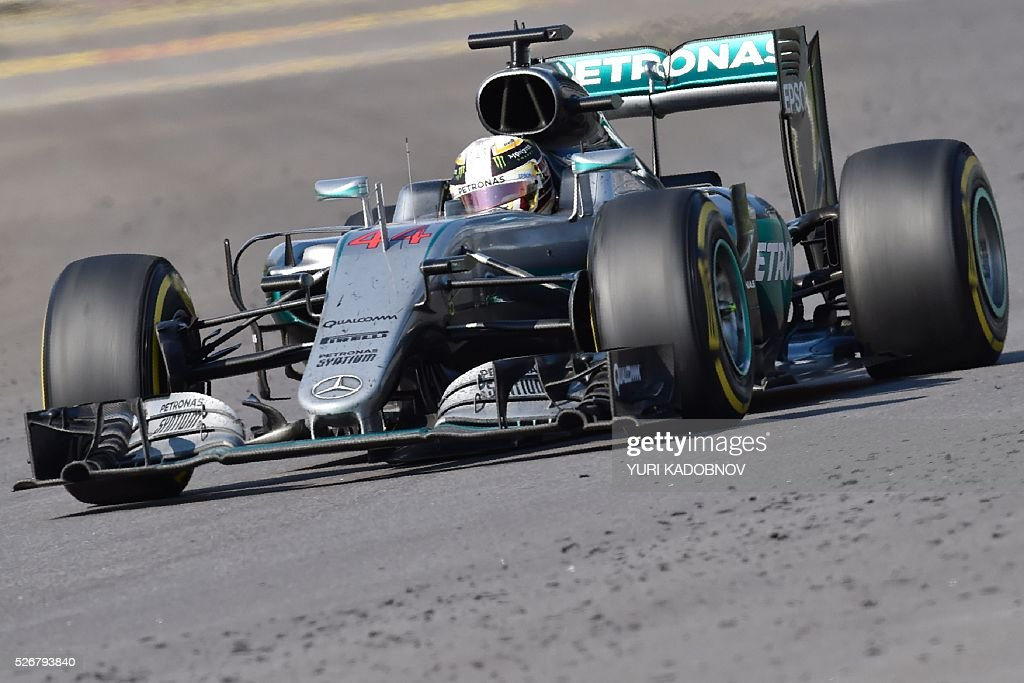 Mercedes AMG Petronas F1 Team's British driver Lewis Hamilton steers his car during the Formula One Russian Grand Prix at the Sochi Autodrom circuit on May 1, 2016. / AFP / YURI