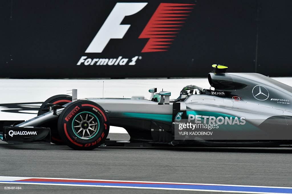 Mercedes AMG Petronas F1 Team's German driver Nico Rosberg steers his car during the qualifying session of the Formula One Russian Grand Prix at the Sochi Autodrom circuit on April 30, 2016. / AFP / YURI