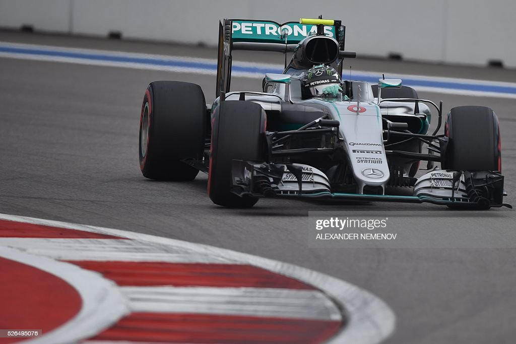 Mercedes AMG Petronas F1 Team's German driver Nico Rosberg steers his car during the qualifying session of the Formula One Russian Grand Prix at the Sochi Autodrom circuit on April 30, 2016. / AFP / ALEXANDER