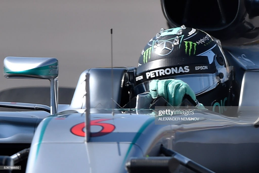 Mercedes AMG Petronas F1 Team's German driver Nico Rosberg steers his car during the Formula One Russian Grand Prix at the Sochi Autodrom circuit on May 1, 2016. / AFP / ALEXANDER