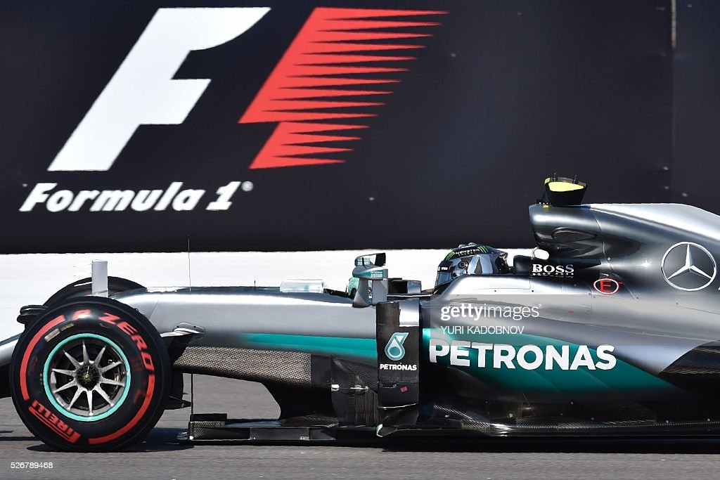 Mercedes AMG Petronas F1 Team's German driver Nico Rosberg steers his car during the Formula One Russian Grand Prix at the Sochi Autodrom circuit on May 1, 2016. / AFP / YURI