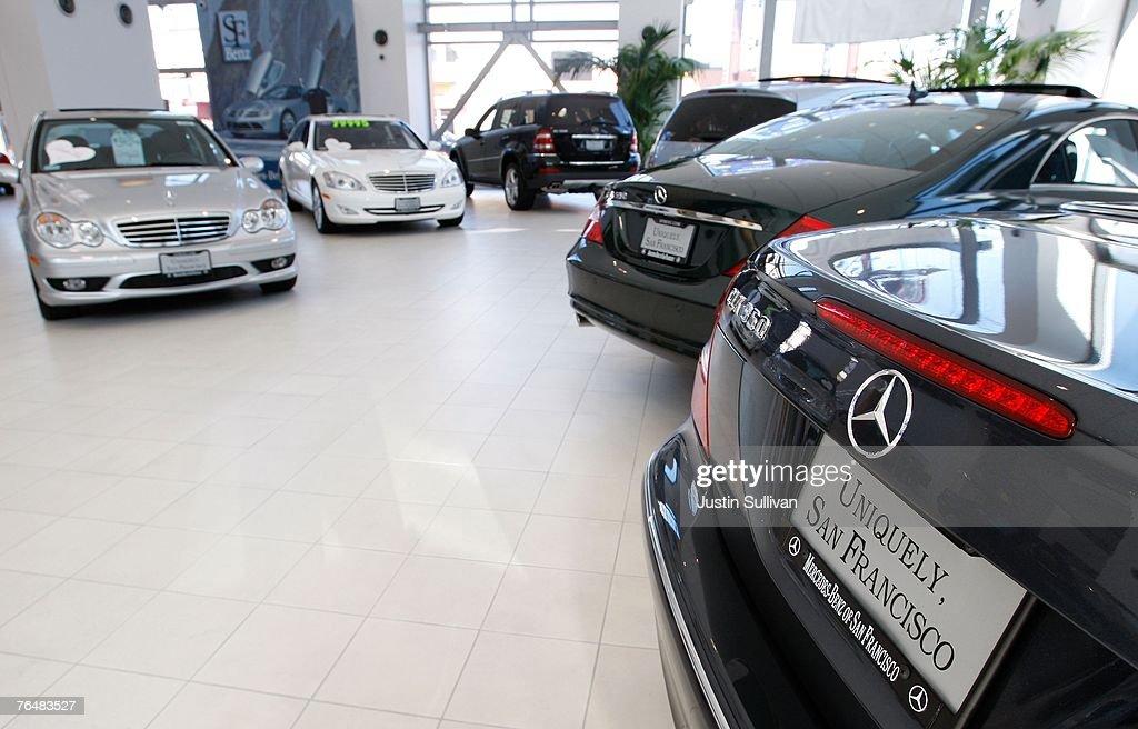 Daimlerchrysler releases first earnings since sale of for Mercedes benz daimler chrysler
