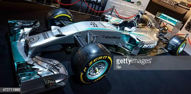 MERCEDES AMG PETRONAS Mercedes F1 W05 Hybrid F1 race car