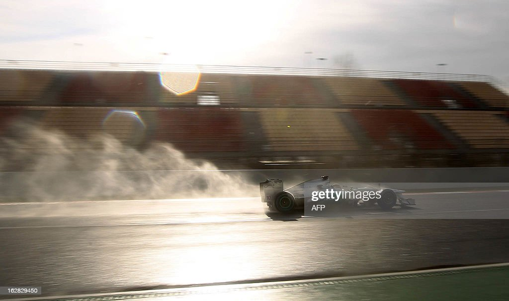 Mercedes' GP British Lewis Hamilton drives during the Formula One test days at Catalunya's racetrack in Montmelo, near Barcelona, on February 28, 2013. AFP PHOTO / QUIQUE GARCIA